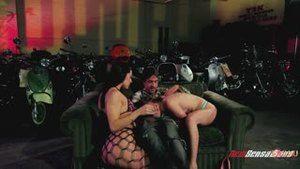 Richie Calhoun enjoys sex with Gracie Glam and his girlfriend, Jessie Andrews (rus)