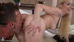 Sweet blonde has sex with a man in different poses (only on suj.ru)