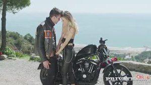 Секс на мотоцикле с Наталией