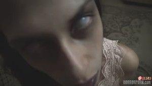 Озабоченный демон, ползающий по потолку, вселился в молодую жену