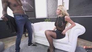 Забавное интервью с порноактрисой из-под Одессы, которая только учит английский, Мэрилин Кристал, и анальный секс с