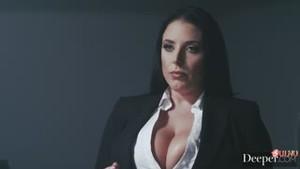 Николь Энистон в роли Шэрон Стоун и Анджела Уайт в роли Майкла Дугласа