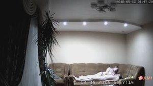 Супружеская пара установила камеру для защиты частной собственности, а в итоге их домашнее видео попало в сеть