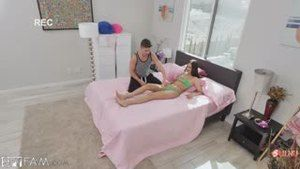 Stepsister asks her stepbrother to assess her new swimsuit